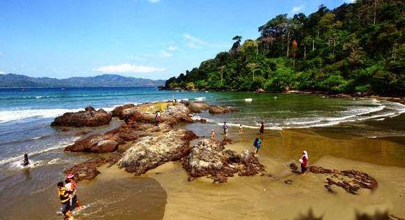 Wisata Pantai Rajegwesi Banyuwangi